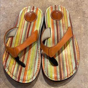 Women's Privo flip flops size 6